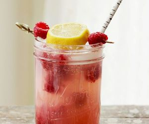 drink, raspberry, and fruit image