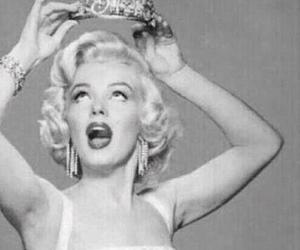 blonde and marilyn image