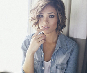 nicole anderson, hair, and ravenswood image