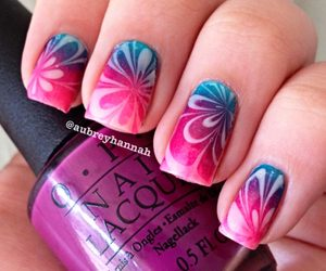 water marble nails image