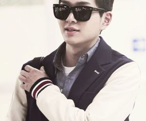 Onew, zonew, and SHINee image