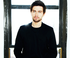 reign and torrance coombs image