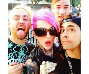 issues, jeffree star, and tyler carter image