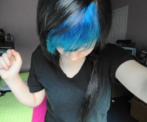 blue hair and turqouse hair image