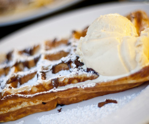 waffles and food image