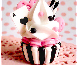 alice, cup cake, and cupcake image