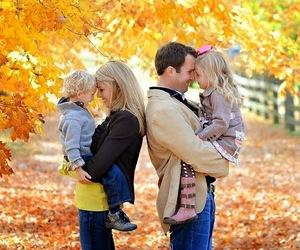 family photo ideas, fall family photo ideas, and fall photo ideas image