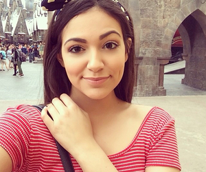 bethany mota, beauty, and youtube image