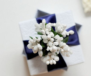 blue ribbon, country wedding, and paper goods image