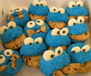 food, cookie monster, and cupcake image