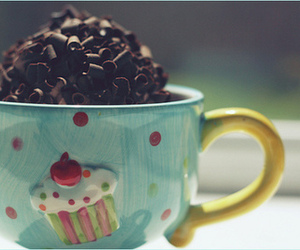chocolate chips, yummy, and cup image