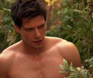 boy, Hunter Parrish, and weeds image