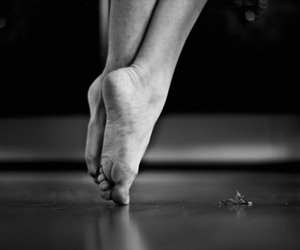 feet and toes image