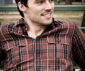 ian harding, pll, and pretty little liars image