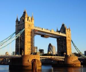 bridge and london image