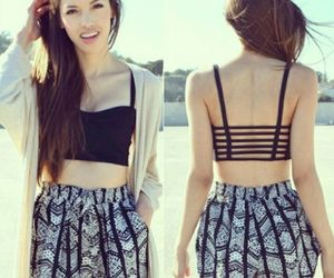 high waisted shorts, cute outfit, and patern shorts image