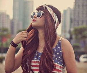 america, brunette, and hippie image
