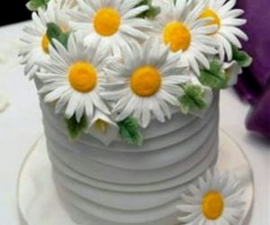 awesome, cake, and daisies image