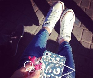 iphone and fashion image