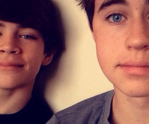 hayes grier, nash grier, and brothers image