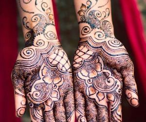 henna, indian bride, and mendhi image