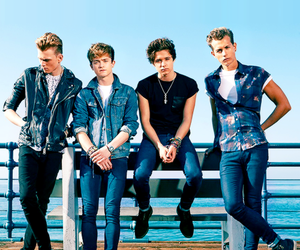 the vamps and band image