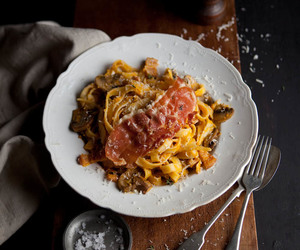 bacon, mushroom, and pasta image