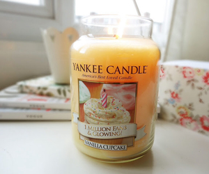 yankee candle and love image
