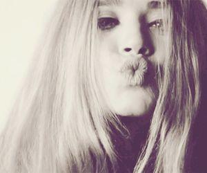 kiss and olsen image