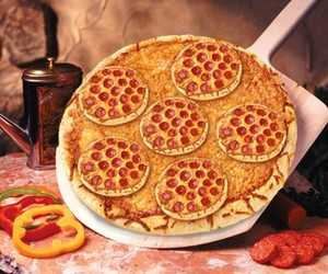 food, hungry, and pizza image