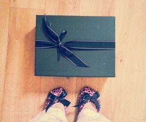 gift and netaporter image