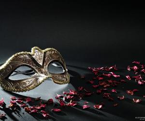 gold and mask image