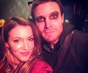 arrow, katie cassidy, and oliver queen image