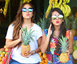 summer, tropical, and best friends image