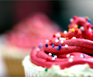 cupcake, frosting, and sprinkles image