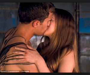 four, kiss, and tris image