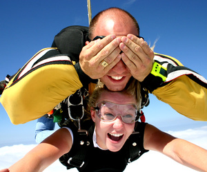 awsome, sky, and skydiving image