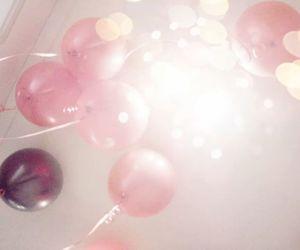 air balloon, balloon, and pink image