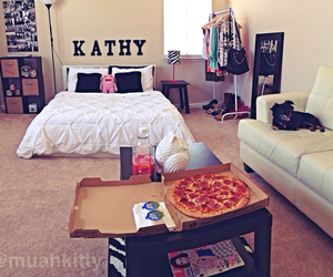pink, pizza, and room image