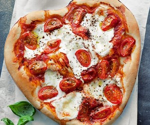 food, pizza, and heart image