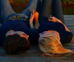 blonde hair, cute couple, and red nails image