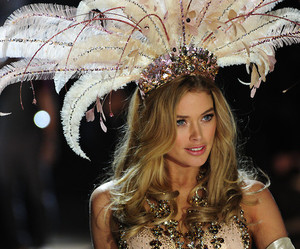 Victoria's Secret, model, and Doutzen Kroes image