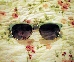 sunglasses, vintage, and flowers image