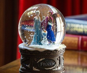frozen, snow, and anna image