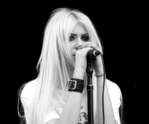 girl, Taylor Momsen, and goth image