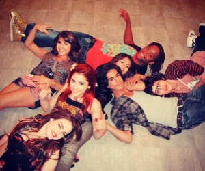 Leon Thomas, victoria justice, and victorious image