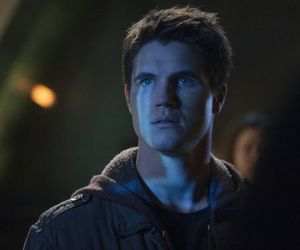 robbie amell and the tomorrow people image