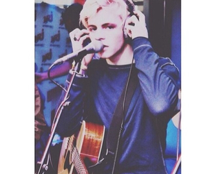 ross lynch, r5, and ross image