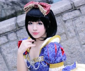 cosplay, disney princess, and snow white image