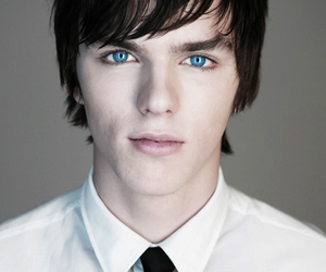 skins, nicholas hoult, and boy image